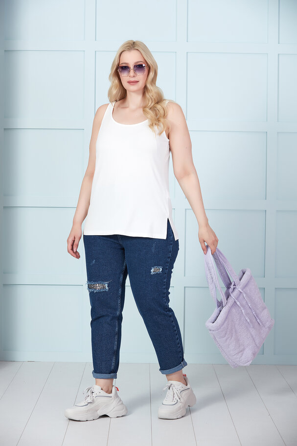 MOM JEANS WITH SEQUIN DETAILS